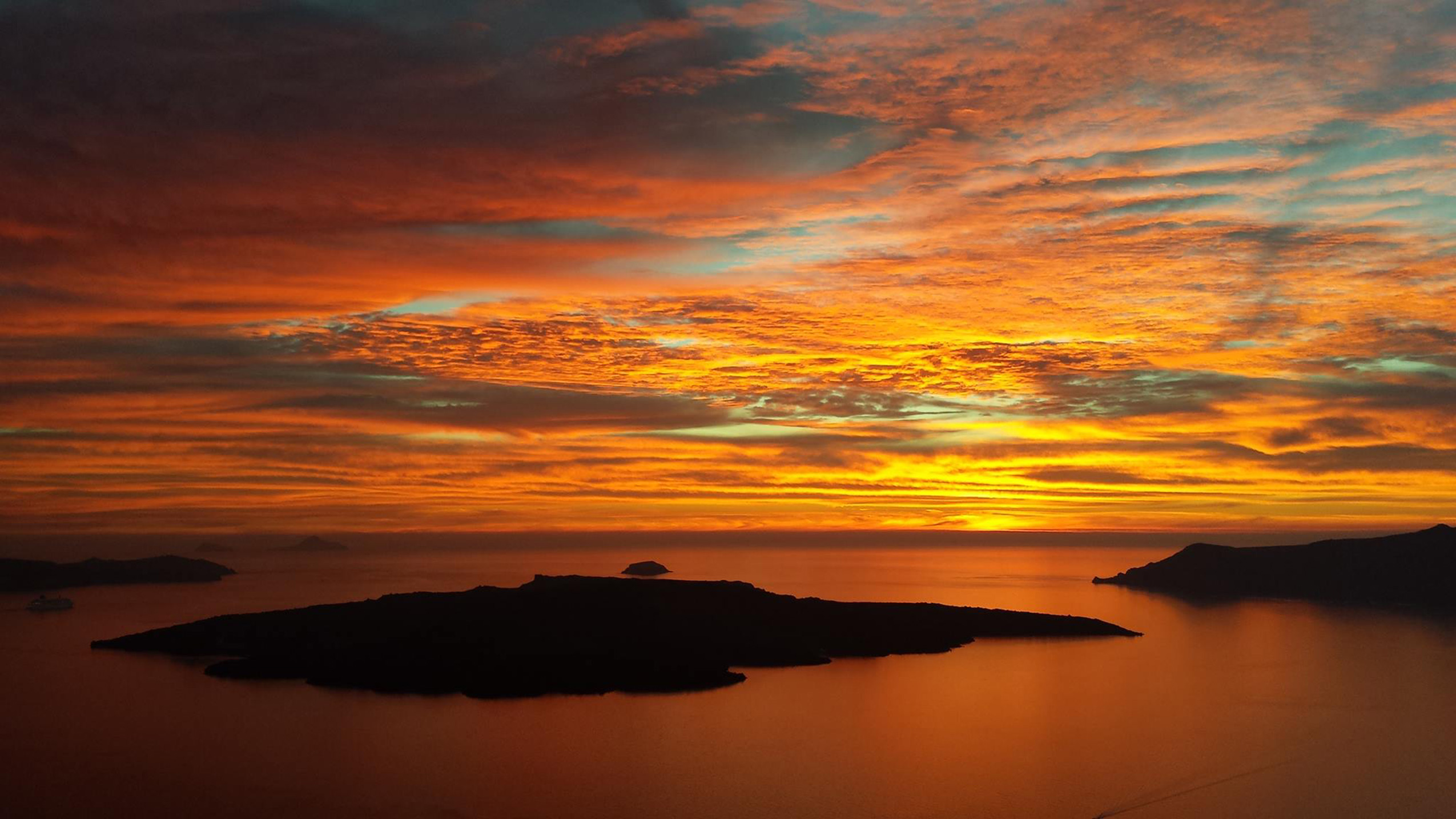 Santorini sunset images galleries for Sunset lodge